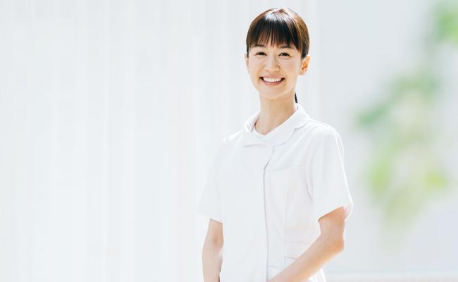 医療スタッフの女性
